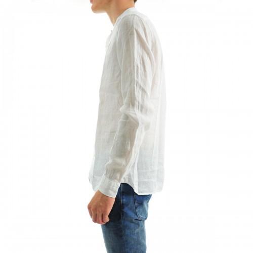 Alla ricerca del capo ideale: la camicia di lino.
